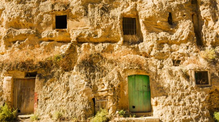 Cuevas geológicas y para alojamiento rural en navarra en Valtierra en la ribera de Navarra los mejores planes en el norte de españa
