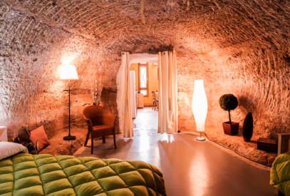 Cuevas de Valtierra rehabilitadas para alojamiento turístico en la zona, un plan diferente para vivir en familia, escapadas románticas o viajes en grupo